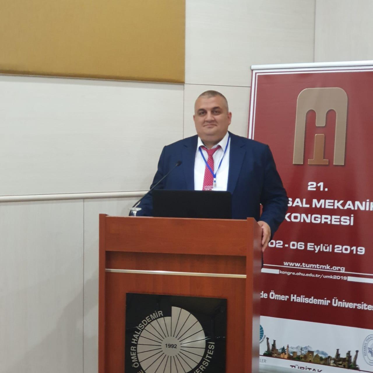 Gənc alim Türkiyədə keçirilən beynəlxalq konqresdə elmi məruzə edib