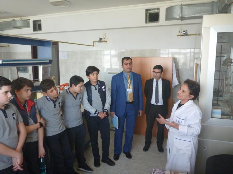 Azərbaycan Britaniya Kollecinin şagirdləri AMEA Aşqarlar Kimyası İnstitutunda elmi yeniliklərlə tanış olublar
