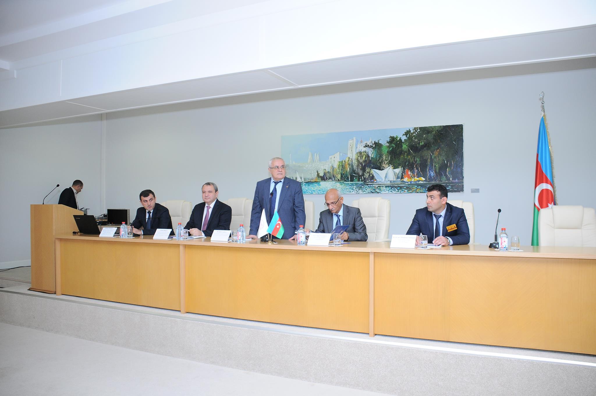 Dünyanın 18 ölkəni təmsil edən 150-dən çox geoloq gənc alimi Bakıda bir araya gəlib