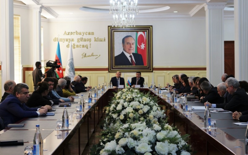AR Prezidenti yanında Ali Attestasiya Komissiyasının rəhbərliyi yenilərlə bağlı marifləndirmə tədbirlərinə start verib