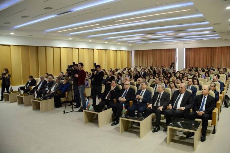 Akademik Akif Əlizadə 2 fevral - Gənclər Günündə magistrant və doktorantlarla görüşdü