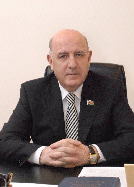 """Prezident akademik Əhliman Əmiraslanovu """"Şərəf""""ordeni ilə təltif etdi"""