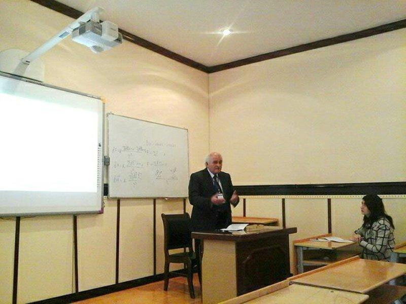 Beynəlxalq konfrans elmi seksiyalarda öz işini davam etdirib
