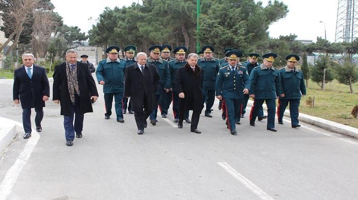 """Dövlət Sərhəd Xidmətinin rəisi, general-polkovnik Elçin Quliyev AMEA """"YT Park""""ın fəaliyyəti ilə tanış olub"""