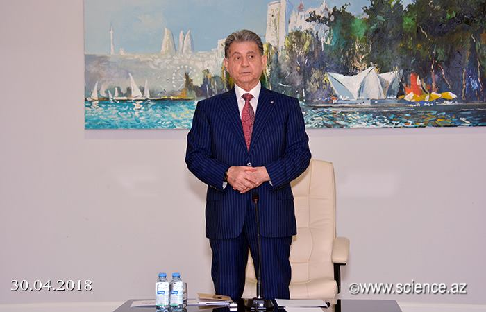 AMEA-da görkəmli oftalmoloq alim Zərifə Əliyevanın xatirəsinə həsr olunan tədbir keçirilib