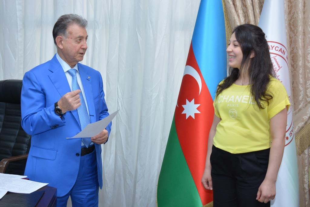 """""""Magistr – 2018"""" müsabiqəsi qaliblərinə mükafatlar verildi"""