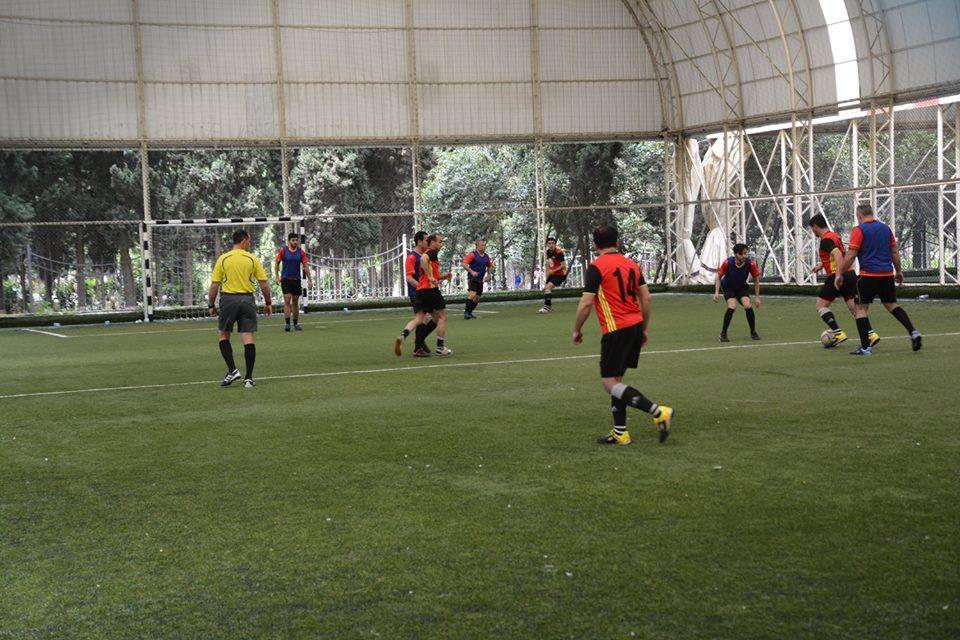 AMEA gənc alim və mütəxəssislərin institutlararası V futbol çempionatında 1/4 finalında gözlənilməz nəticələr qeydə alınıb