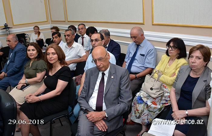 AMEA-nın professorlarının qarşısında yeni vəzifələr qoyuldu