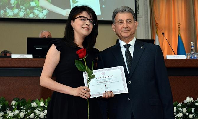 AMEA-nın magistrləri üçün keçirilən ilk müsabiqənin qalibləri mükafatlandırıldı