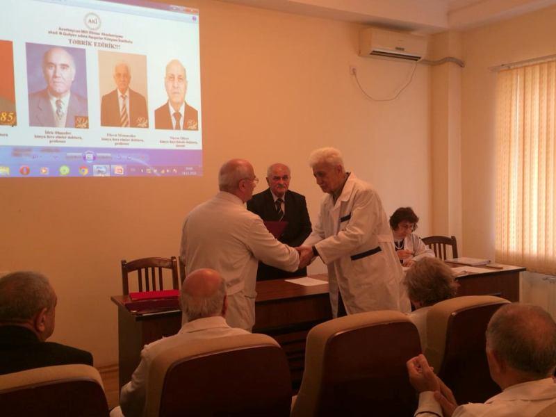 AMEA Aşqarlar Kimyası İnstitutunun qocaman alimləri mükafatlandırıldı