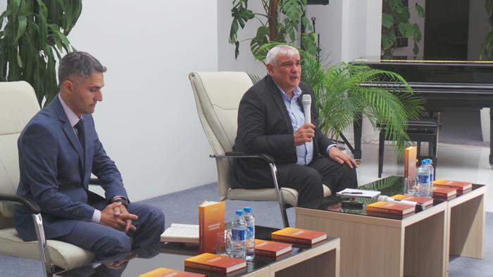 Akademik Kamal Abdullayev AMEA-nın gənc alim və mütəxəssisləri ilə bir araya gəlib