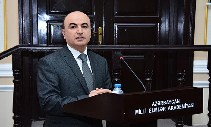 """""""Gənc tədqiqatçılar xarici dil biliklərinə yiyələnməlidir"""""""