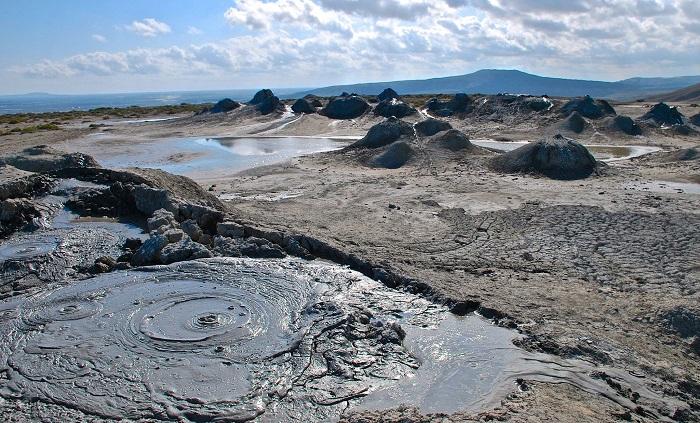 Dünyanın ən nəhəngTorağay palçıq vulkanında növbəti püskürmə baş verib