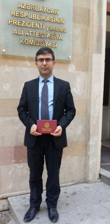 Kimyaçı gənc alimə elmlər doktoru diplomu təqdim olunub