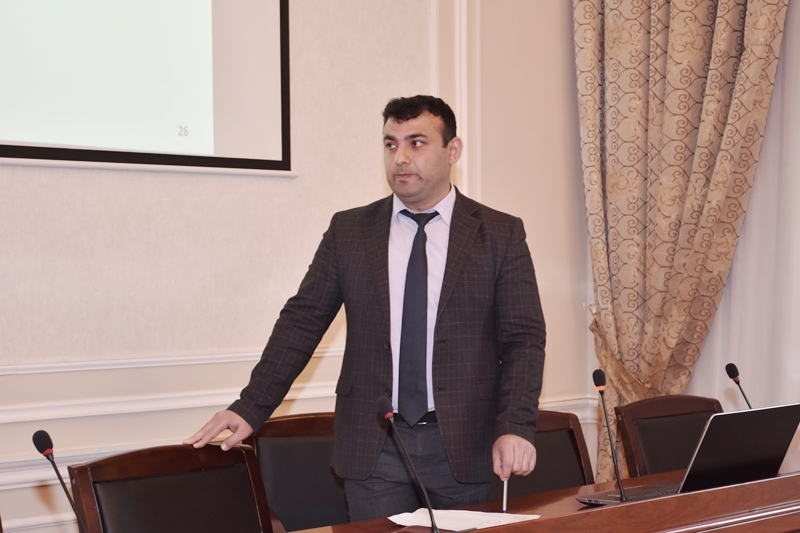 """AMEA Geologiya və Geofizika İnstitutunda """"Elm günü"""" ilə əlaqədar """"Master class"""" təşkil olunub"""