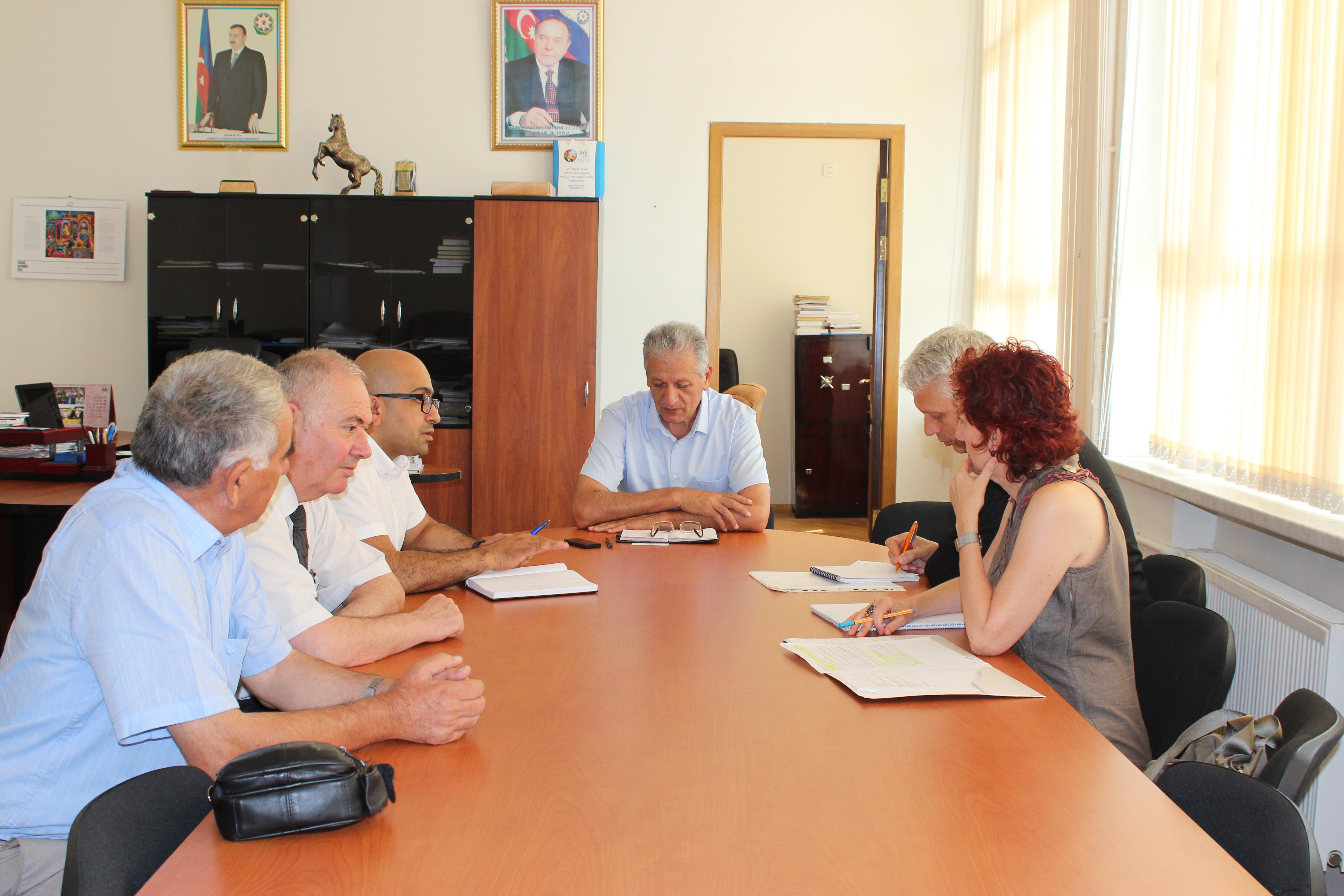 BMT-nin FAO təşkilatının qiymətləndirmə misiyası Genetik Ehtiyatlar İnstitutunun imkanları ilə tanış olub