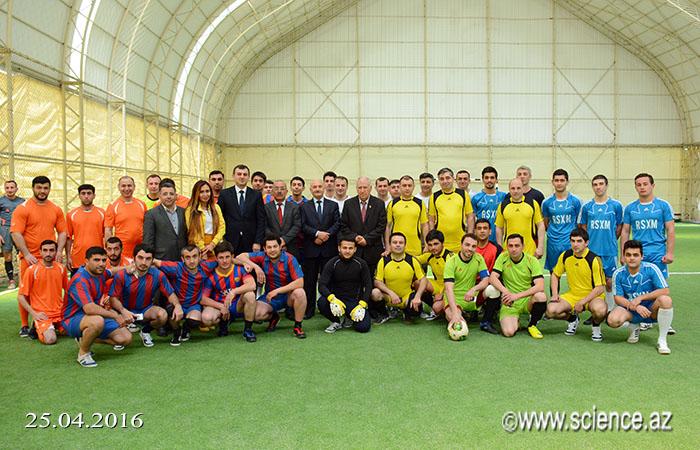 AMEA Gənc Alim və Mütəxəssislərinin III Futbol Çempionatının qrup oyunları başladı