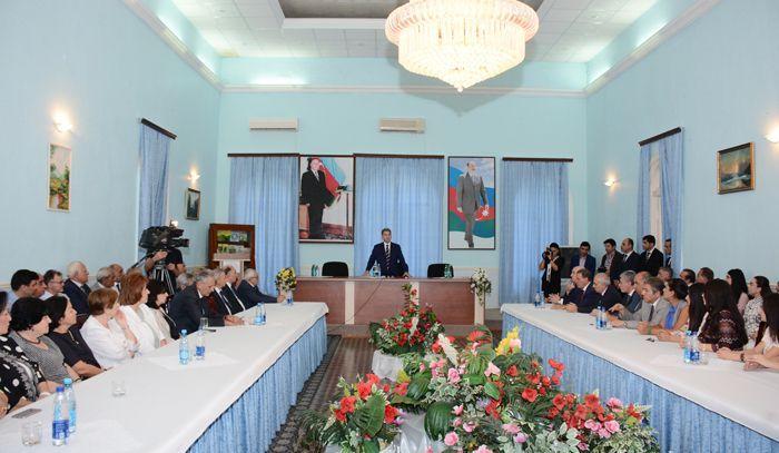 Akademiyanın prezidenti yeni magistrantları ilə görüş keçirib