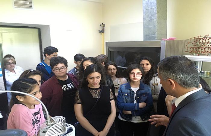Məktəblilər Kataliz və Qeyri-üzvi Kimya İnstitutunda olublar