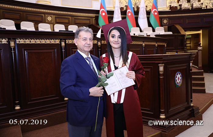 """AMEA magistrlərinin yeni təqdimatda """"Məzun günü"""" keçirilib"""