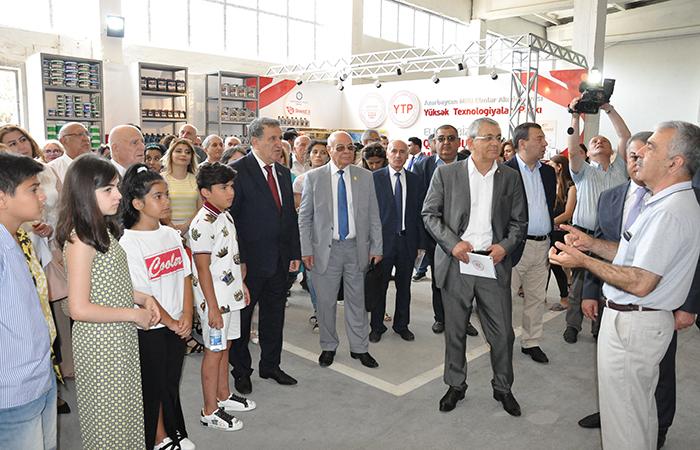 """""""Qoşa qanad: VI Fizika və lirika konfransı""""nın iştirakçıları YT Parkın istehsal prosesi ilə tanış olublar"""