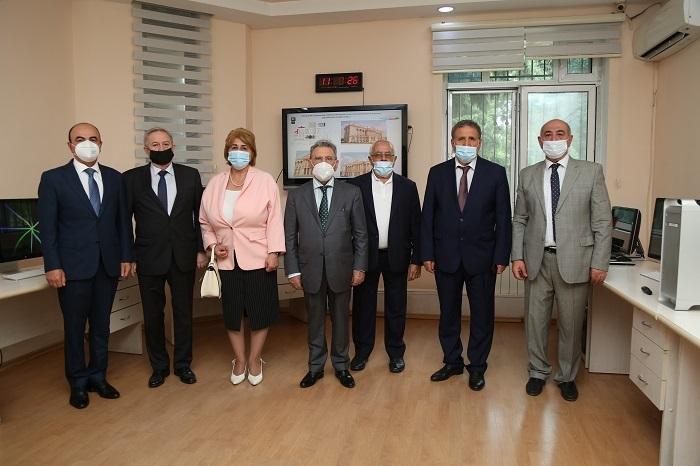 AMEA prezidenti Respublika Seysmoloji Xidmət Mərkəzində aparılan tədqiqatlarla tanış olub