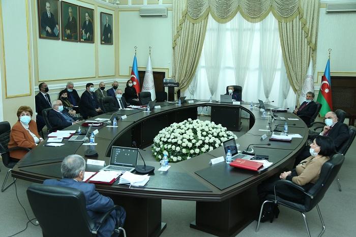 AMEA-nın Humanitar, İctimai Elmlər və Naxçıvan bölmələri illik hesabat veriblər