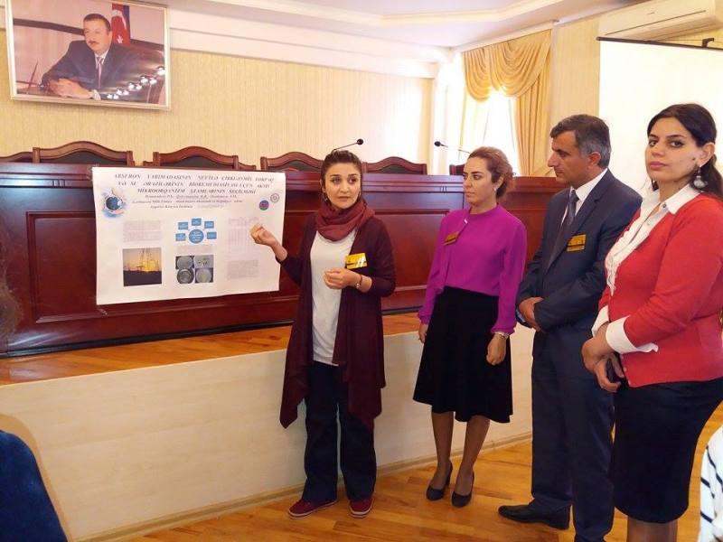 Gəncədə keçirilən gənc alimlərin Beynəlxalq Forumunda poster müzakirələri keçirilib